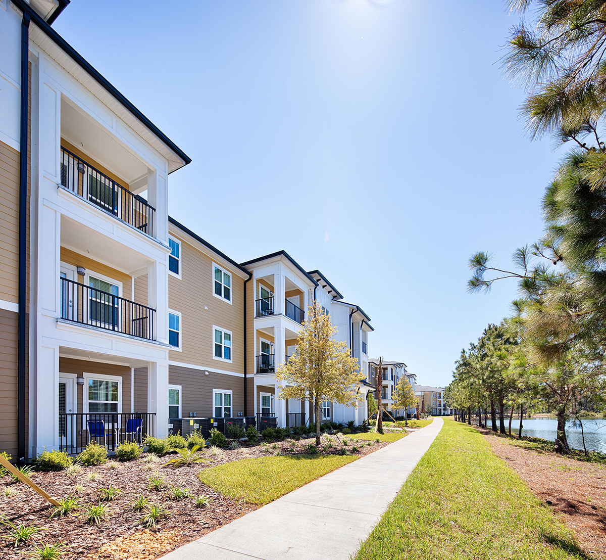 Broxton Bay Apartments